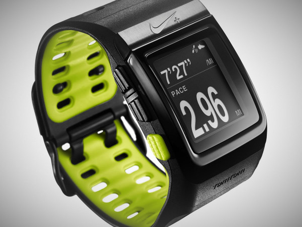bold nike sportwatch gps trending gear coolstuff that guyswant rh trendinggear com Sport Watches for Men Blue Green Nike Sports Watch